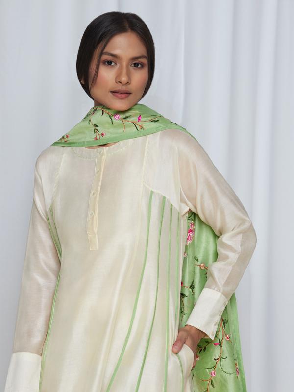 amisha kothari label kusum edit pushpaja ivory mint green