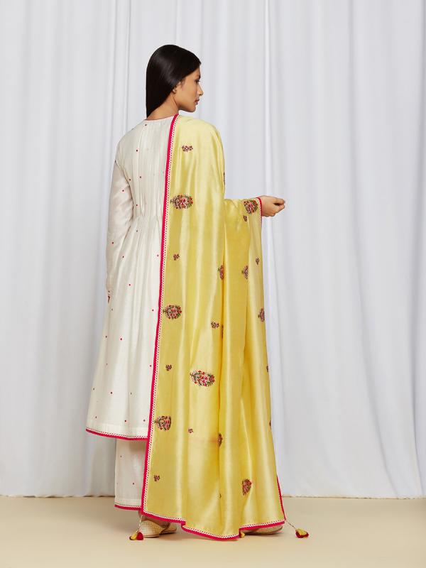 amisha kothari label dupatta ananya yellow