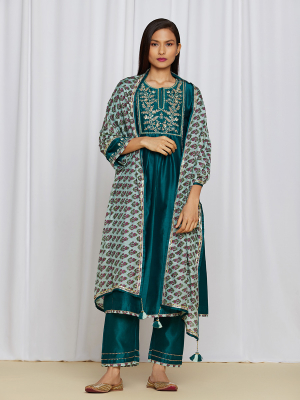 amisha kothari label utsav edit  amira kurta set teal