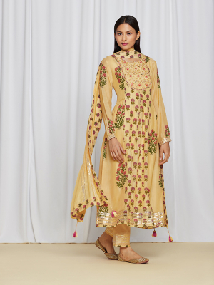 amisha kothari label utsav edit ketaki kurta set yellow