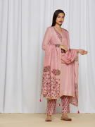 amisha kothari label utsav edit shubhika kurta set rose pink
