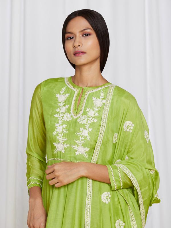 amisha-kothari-label-ayaana-kurta-set-green-1