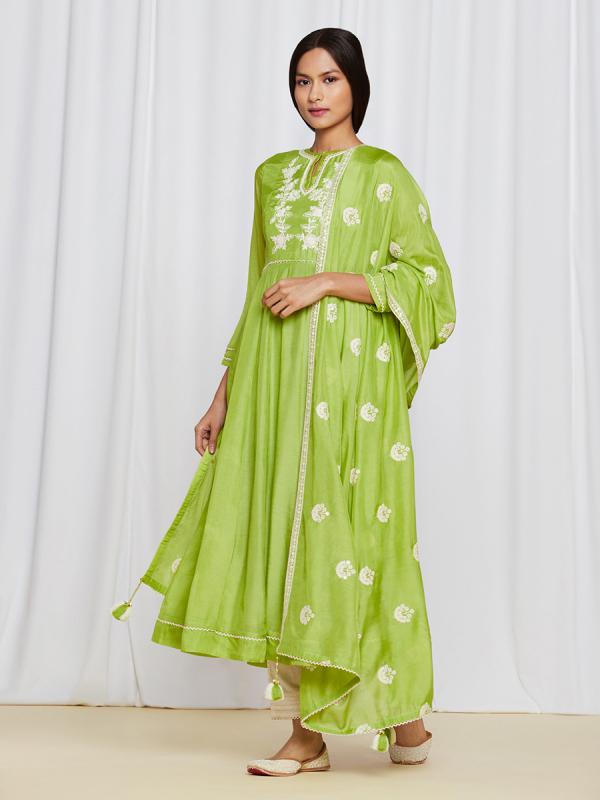 amisha-kothari-label-ayaana-kurta-set-green-2