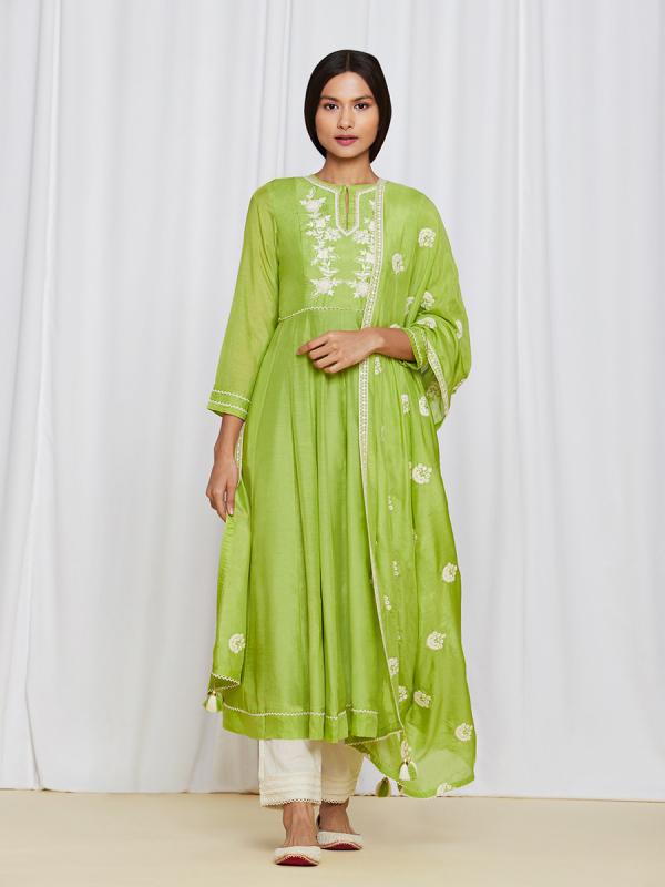amisha-kothari-label-ayaana-kurta-set-green-3
