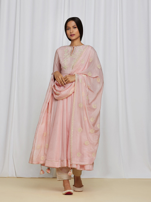 amisha-kothari-label-ayaana-kurta-set-peach-5