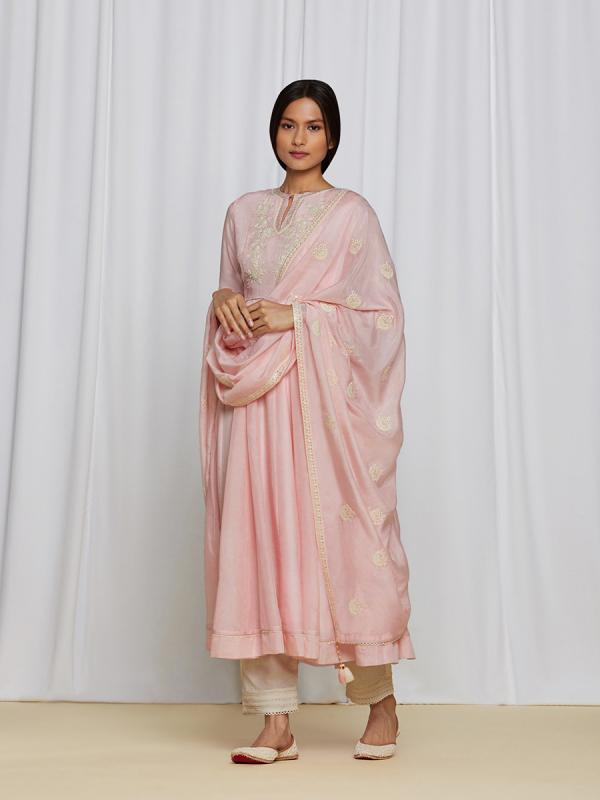 amisha-kothari-label-ayaana-kurta-set-peach-6