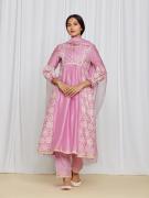 amisha-kothari-label-asma-kurta-set-pink-3
