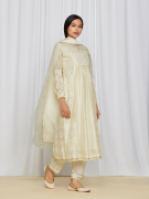 amisha-kothari-label-asma-kurta-set-ivory-1