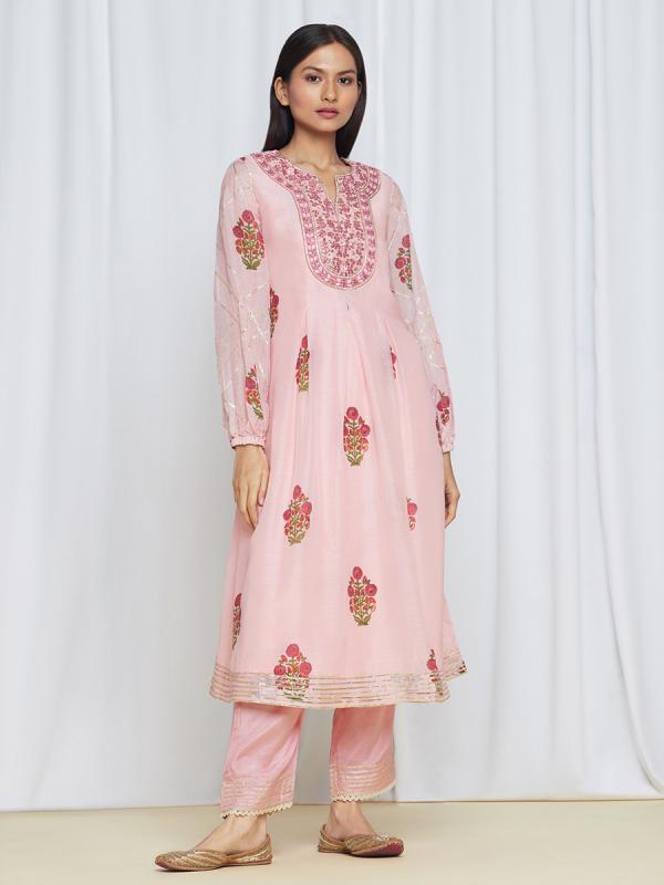 amisha-kothari-label-umang-kurta-set-peach-3