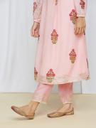 amisha-kothari-label-umang-kurta-set-peach-4