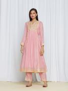 amisha kothari label utsav edit anandini kurta set rose pink