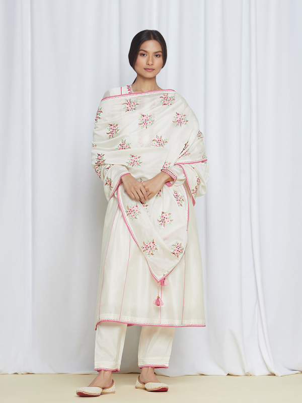 amisha kothari label kusum edit kumudini kurta set
