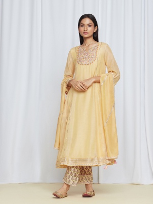 amishka kothari label utsav edit miraya kurta set yellow
