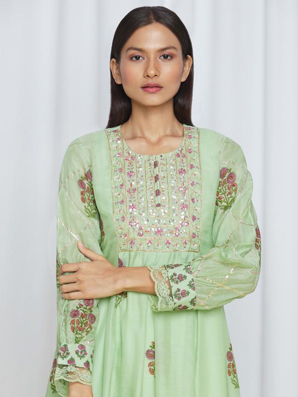 amisha kothari label utsav edit tarang kurta set mint green
