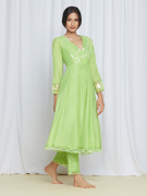 amisha kothari label kusum edit bagh kurta set green