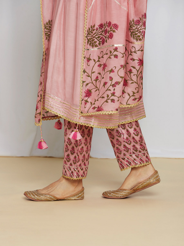 amisha kothari label utsav edit shubhika kurta set rose pink