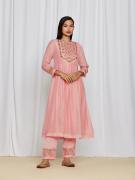 amisha kothari label utsav edit amara kurta set peach