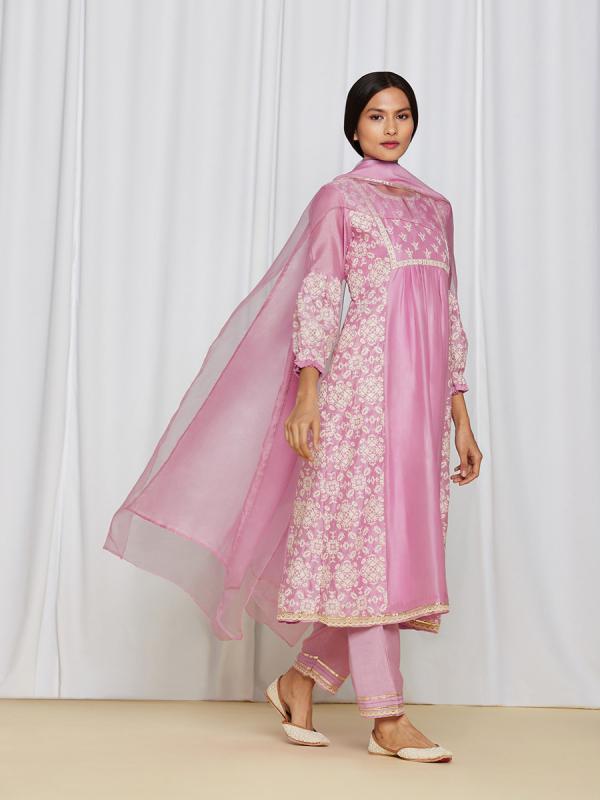 amisha-kothari-label-asma-kurta-set-pink-1