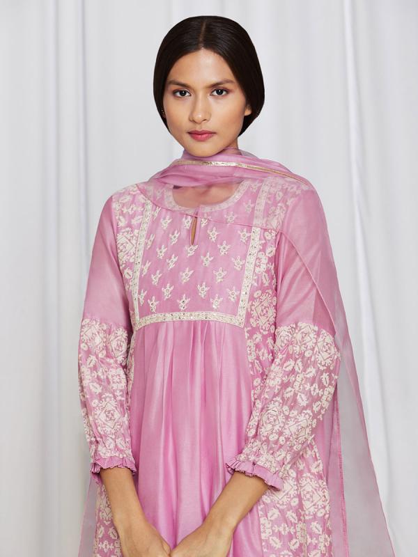 amisha-kothari-label-asma-kurta-set-pink-4
