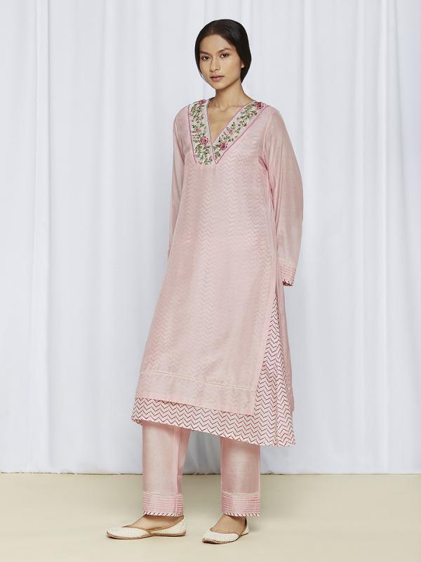 Pink Kurta Sets Online