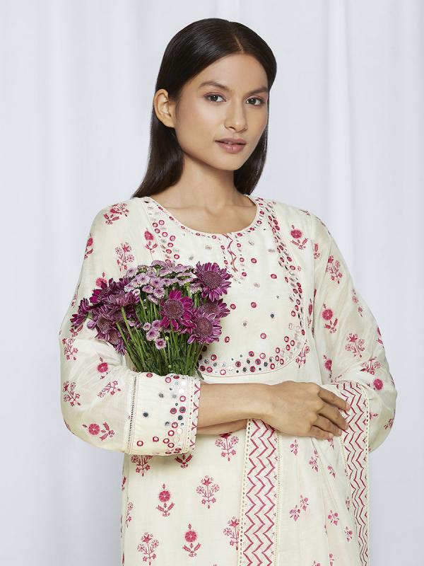 Pink ethnic kurta sets