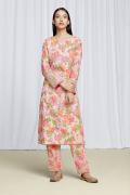 amisha-kothari-label-festive-2021-gulbagh-kurta-set-peach-4