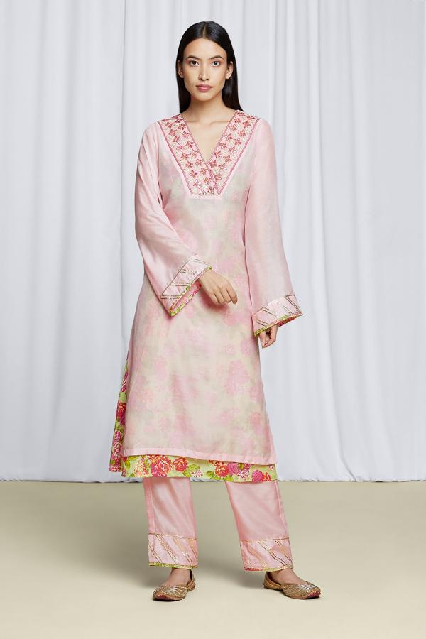 amisha-kothari-label-festive-2021-anila-kurta-set-pink-3