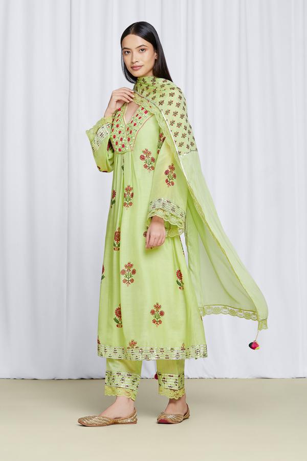 amisha-kothari-label-noor-kurta-set-pista-green-2