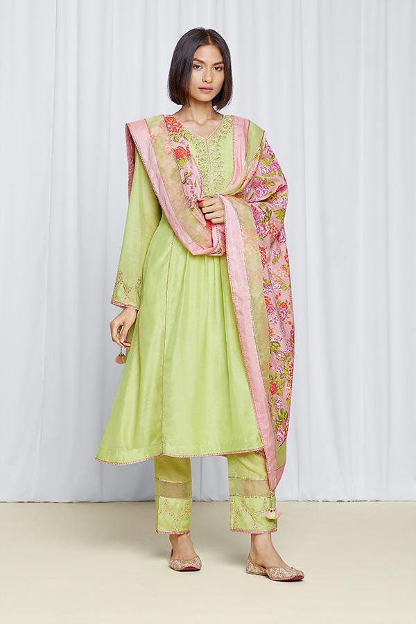 amisha-kothari-label-gulita-pista-green-kurta-set-2