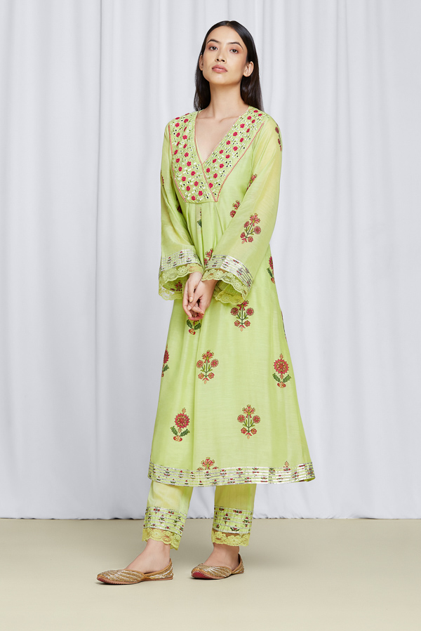 amisha-kothari-label-noor-kurta-set-pista-green-4