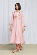 amisha-kothari-label-festive-2021-heer-kurta-set-peach-3
