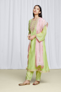 amisha-kothari-label-festive-2021-ananda-kurta-set-pista-green-2