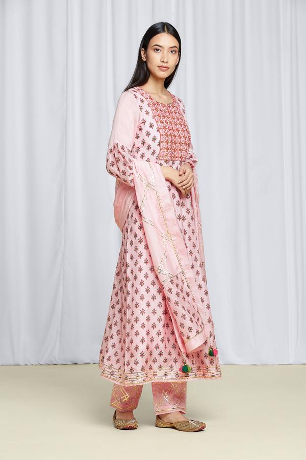 amisha-kothari-label-festive-2021-shubhra-kurta-set-2