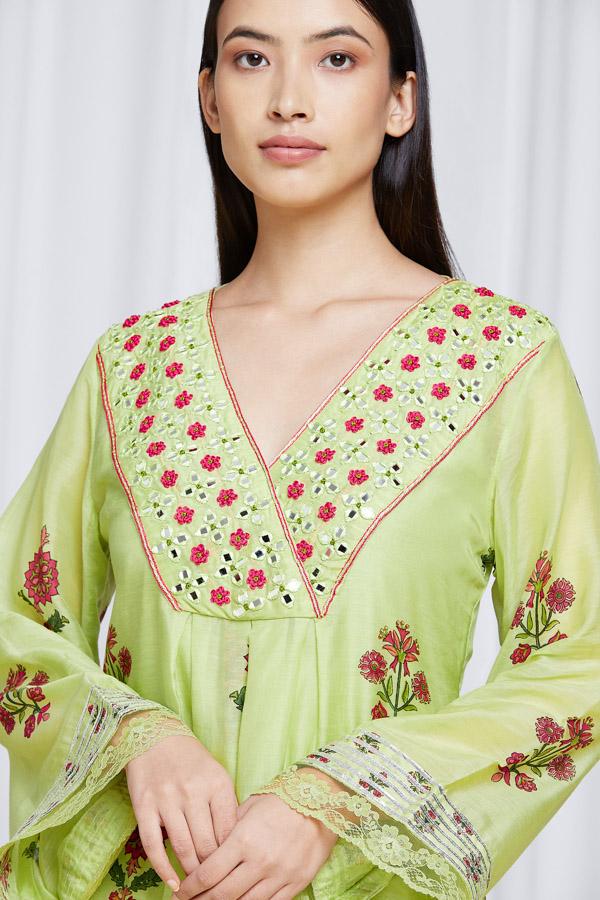 amisha-kothari-label-noor-kurta-set-pista-green-3