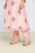 amisha-kothari-label-festive-2021-noor-kurta-set=peach-5