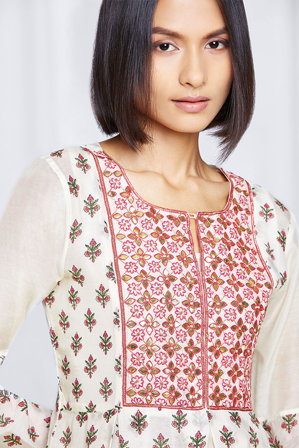 amisha-kothari-label-festive-2021-shubhra-kurta-set-ivory-5