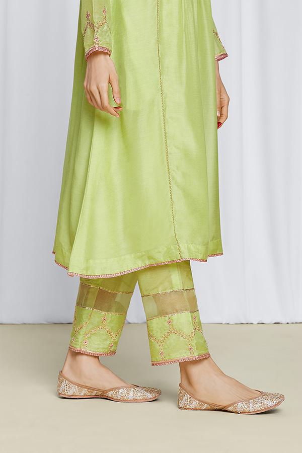 amisha-kothari-label-gulita-pista-green-kurta-set-5