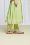 amisha-kothari-label-festive-2021-ananda-kurta-set-pista-green-5