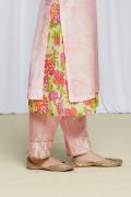 amisha-kothari-label-festive-2021-anila-kurta-set-pink-5