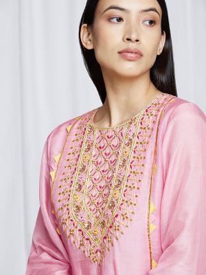 amisha-kothari-label-festive-2021-ananda-kurta-set-rose-pink-1