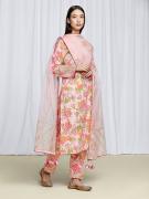 amisha-kothari-label-festive-2021-gulbagh-kurta-set-peach-1